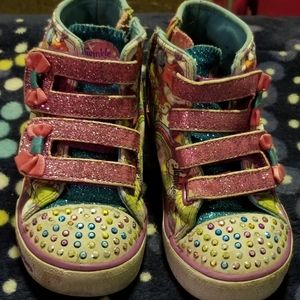 Toddler light up shoes.